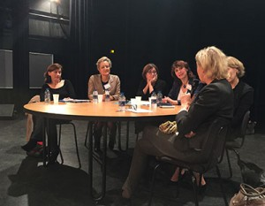 Table-ronde-femme-2